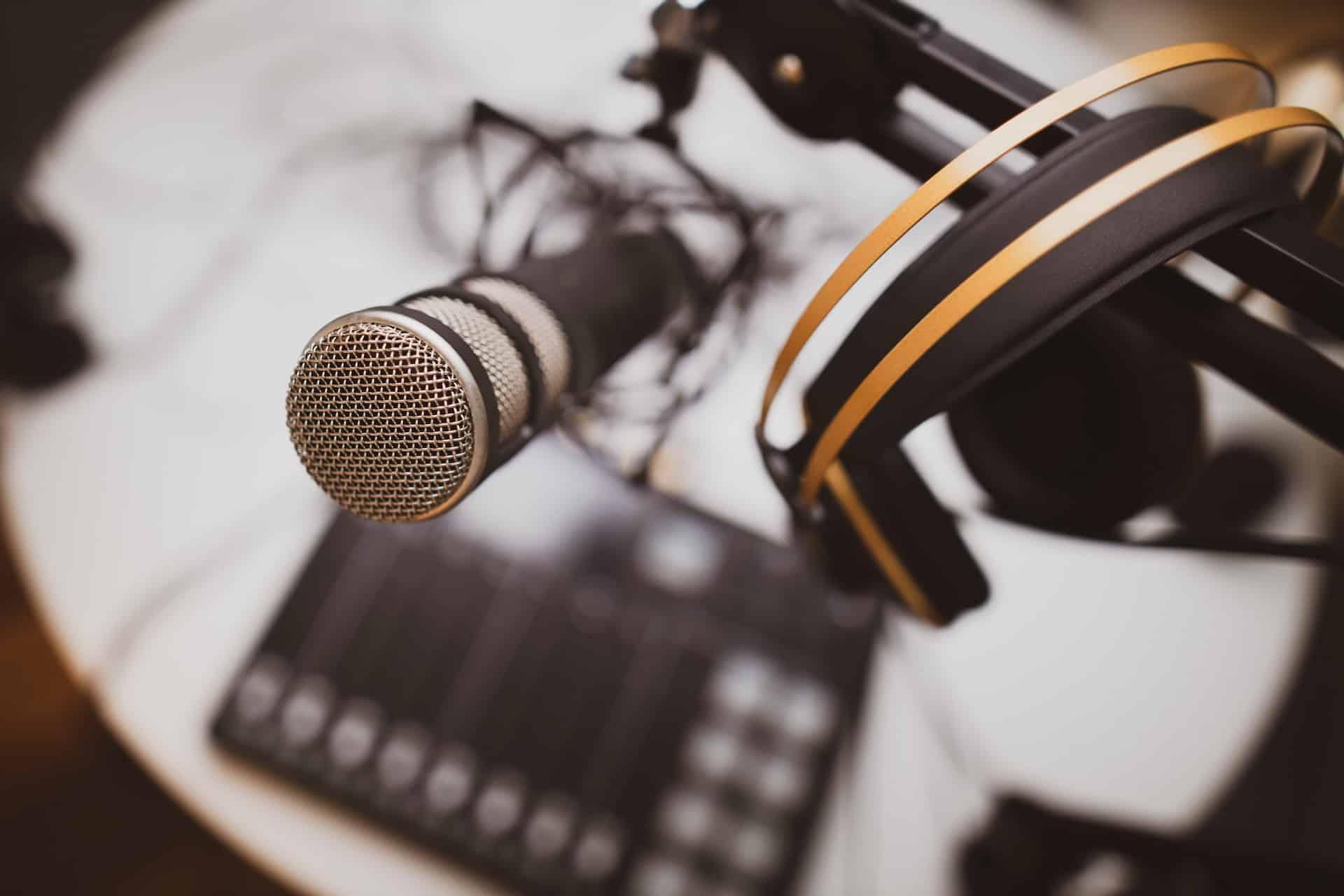 efficiency-hub-listen-to-podcast-setup